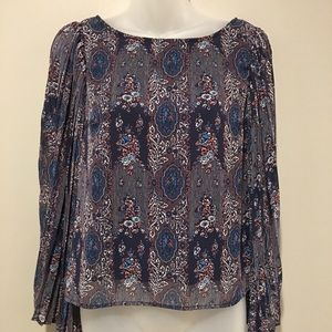 # Fire Los Angeles bell Sleeve Top Size S